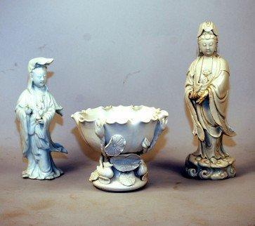 253: Chinese Blanc de Chine Guanyin Figures & Bowl