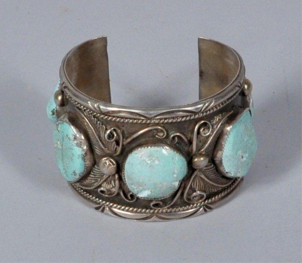 10: Vintage Native American Silver/Turquoise Cuff