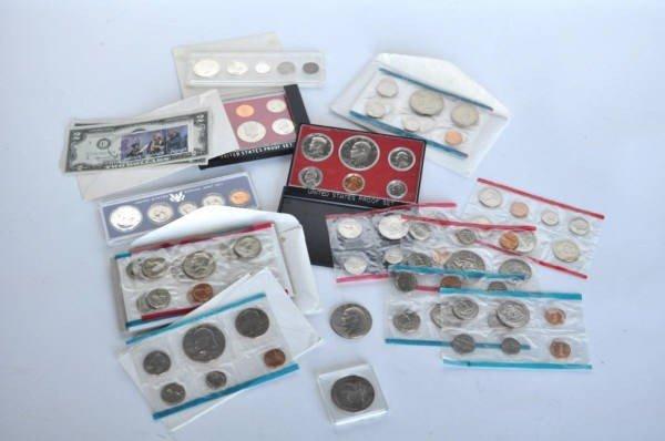14: Group of US Mint Sets, Three $2 Bills