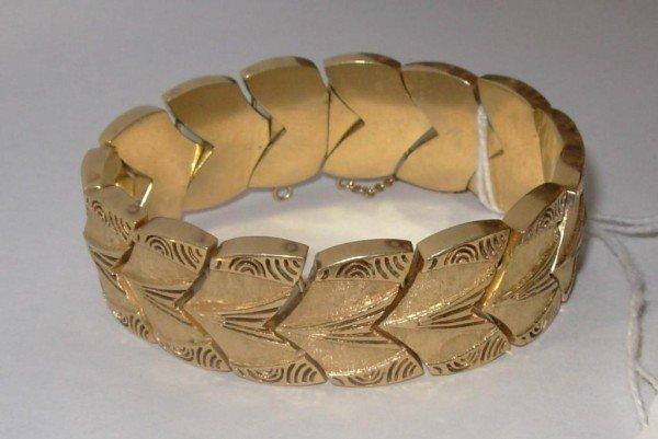 24: 14K Gold Wedge Form Bracelet