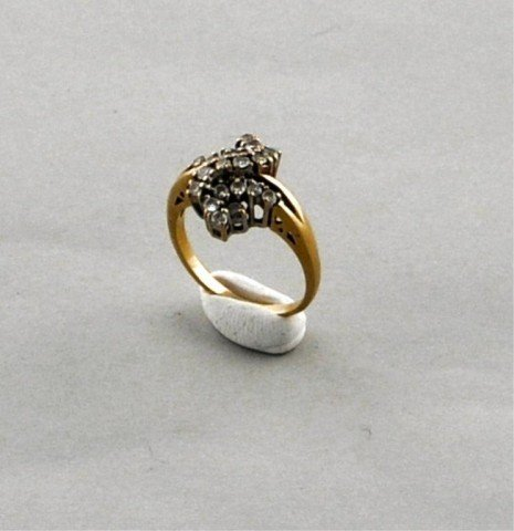 9: 14K Gold Ladies Diamond Cluster Ring