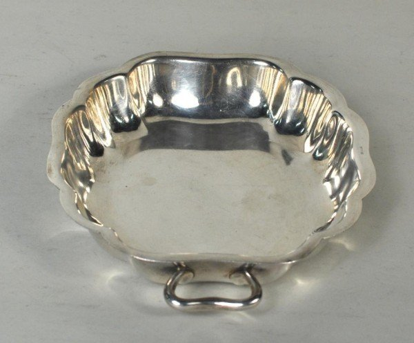 15: Sterling Silver Serpentine Shaped Handled Bowl