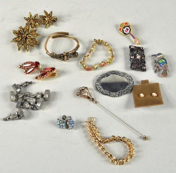 43: Group of Assorted Jewelry Items, Including Gold