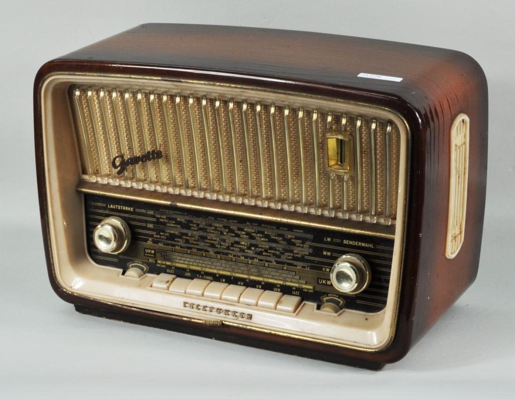 """31: German Telefunken """"Gavotte"""" Shortwave Radio"""