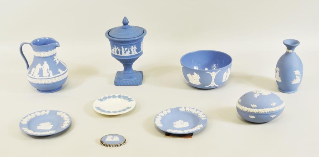 Group Wedgwood, Jasperware, Blue & White Porcelain - 2