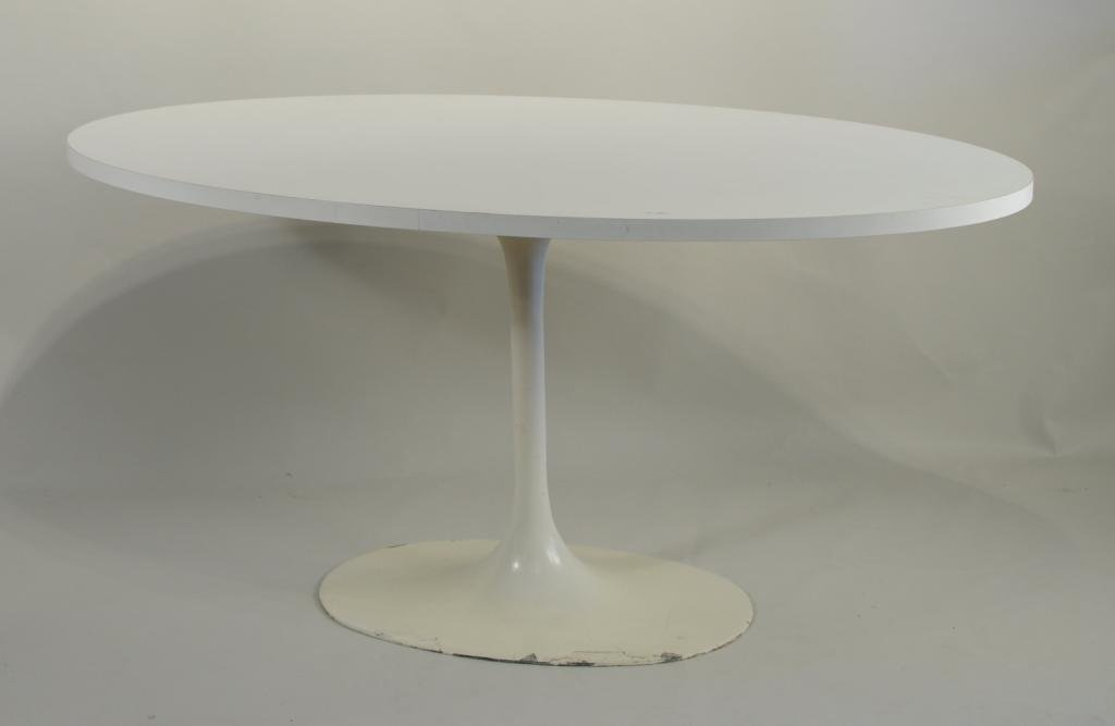 Eero Saarinen For Knoll Oval Dining Table