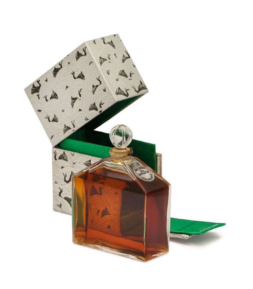 1920 Baccarat Un Peu d'Ambre bottle