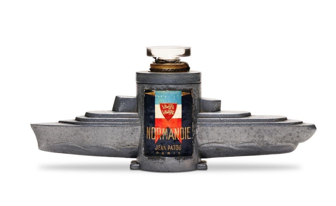 1935 Patou Normandie perfume presentation