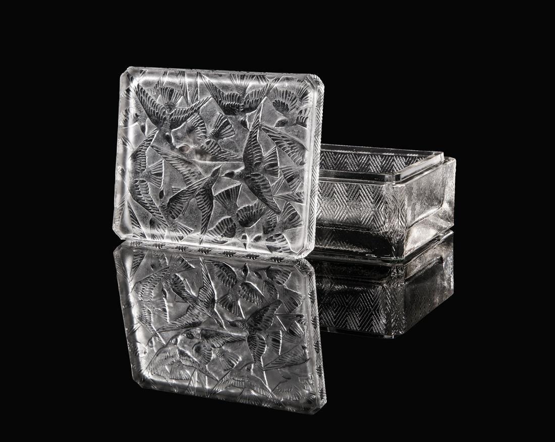 """1923 R. Lalique """"Hirondelles"""" box"""