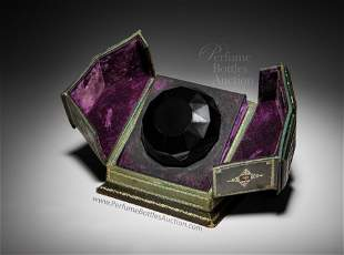 1926 Baccarat Perfume Bottle for Isabey Lys, as black