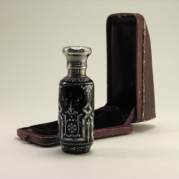 14: c.1850 French scent bottle in Enameled Silver