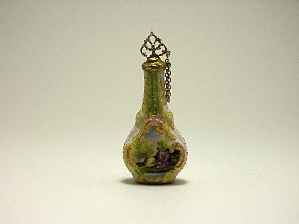 23: c.1770 Bilston Enamel Scent Bottle w/Lovers
