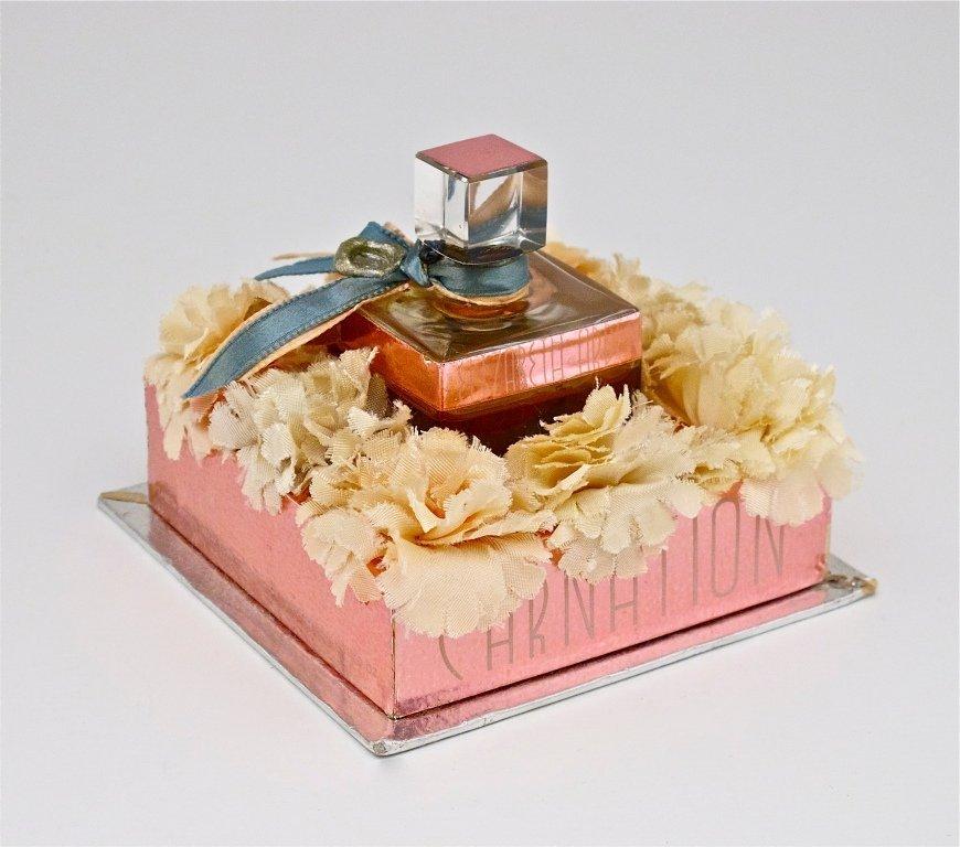 142: 1930s Arden Carnation Mini Perfume Bottle
