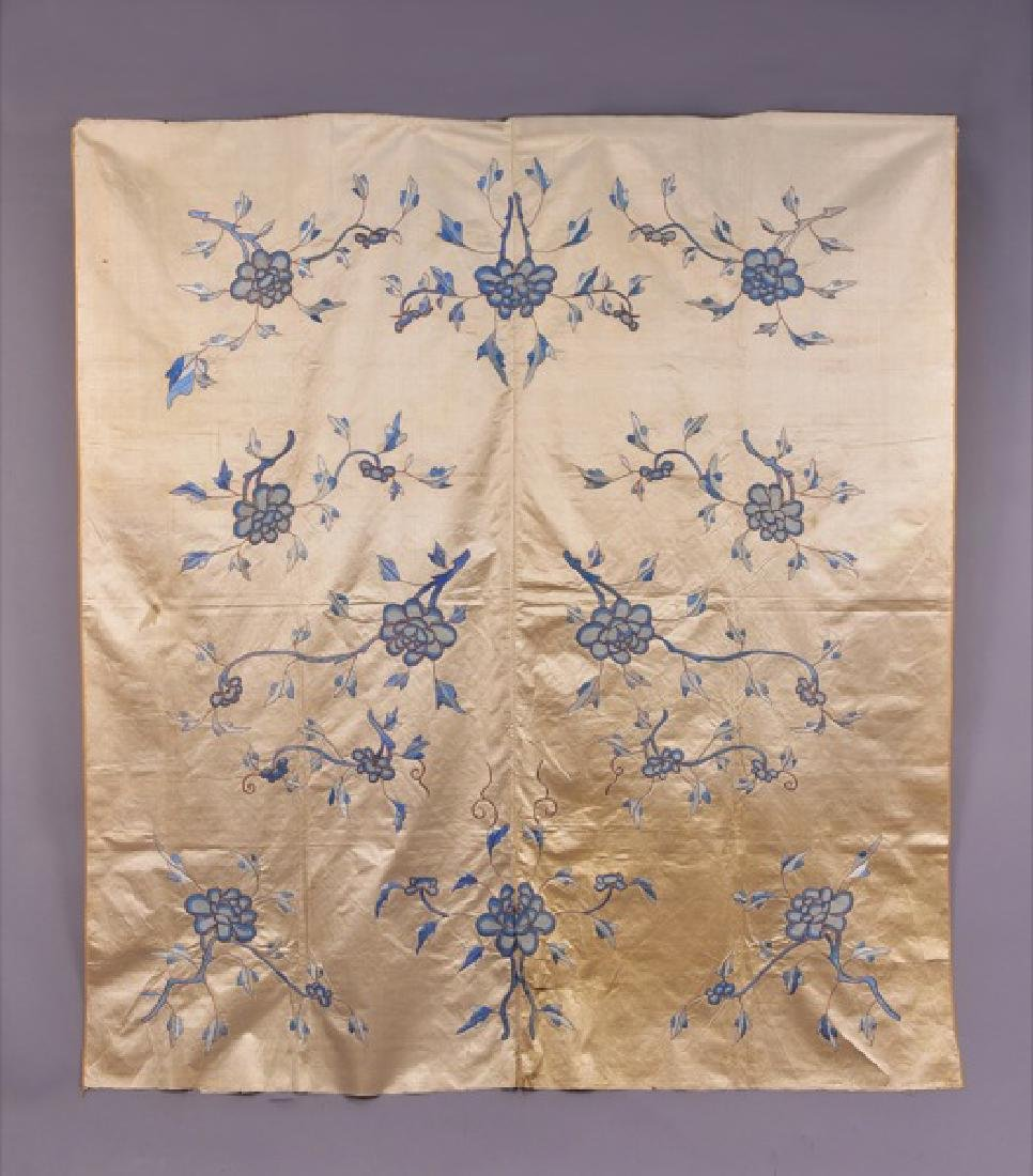 CHINESE SILK EMBROIDERED PANEL, PRE-WAR 20th C.