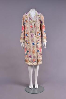 LADYS CHINESE EXPORT EMBROIDERED COAT, 1920s