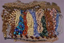 LOT of VINTAGE COSTUME JEWELRY NECKLACES