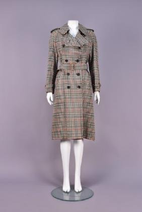 LADYS BURBERRYS CLASSIC PLAID TRENCH COAT, 1970s.
