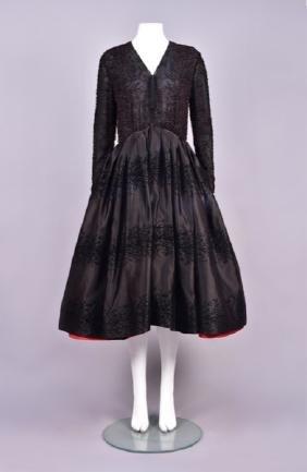 VALENTINO COUTURE BEADED SILK EVENING DRESS.