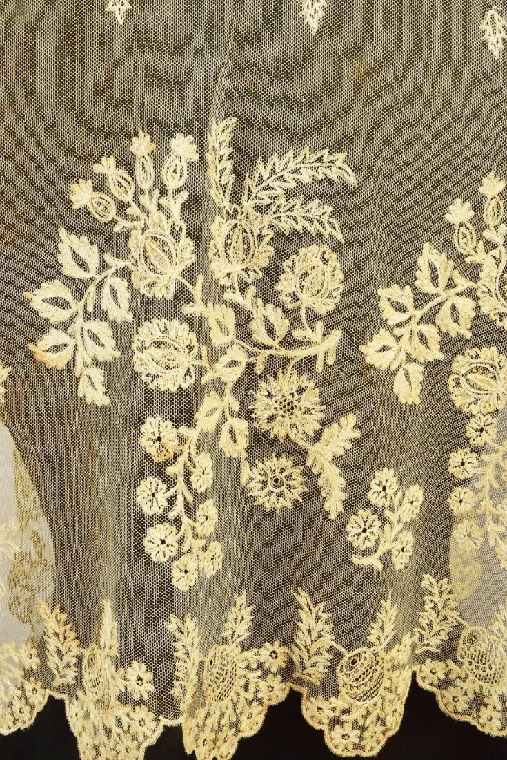 FOUR LADIES' EMBROIDERED CREAM NET ACCESSORIES, 1790 - - 3