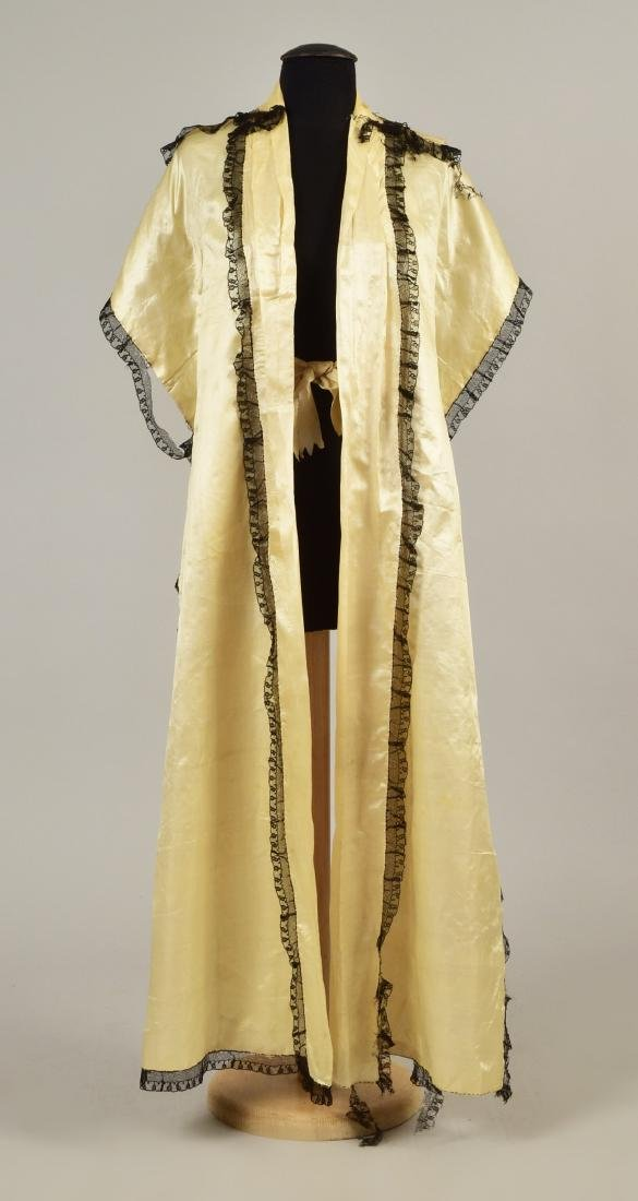 LACE-TRIMMED SATIN TIPPET, 1790 - 1810