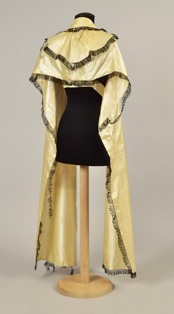 LACE-TRIMMED SATIN TIPPET, 1790 - 1810 - 2