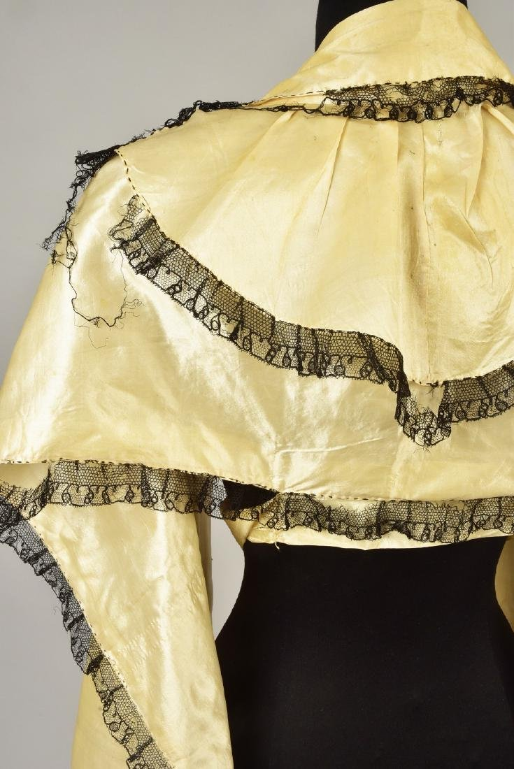 LACE-TRIMMED SATIN TIPPET, 1790 - 1810 - 3