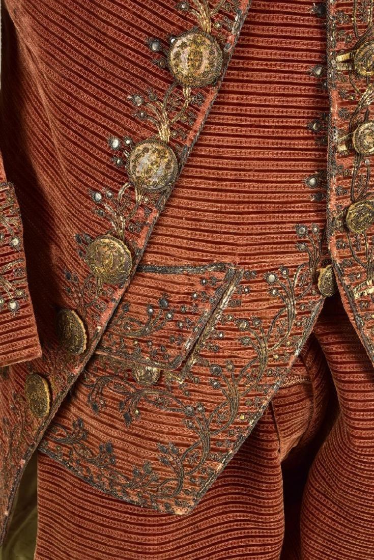RARE SPANISH GENTLEMAN'S 3-PIECE VELVET SUIT,  c. 1760 - 4