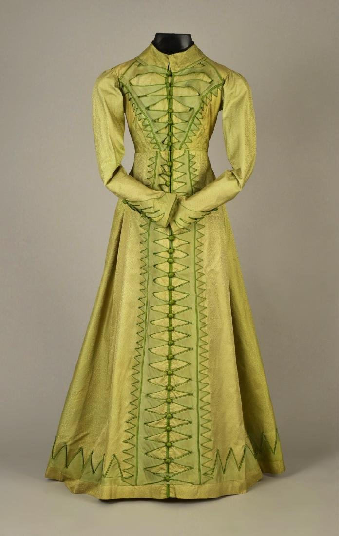 NILE GREEN FIGURED SILK PELISSE, 1815