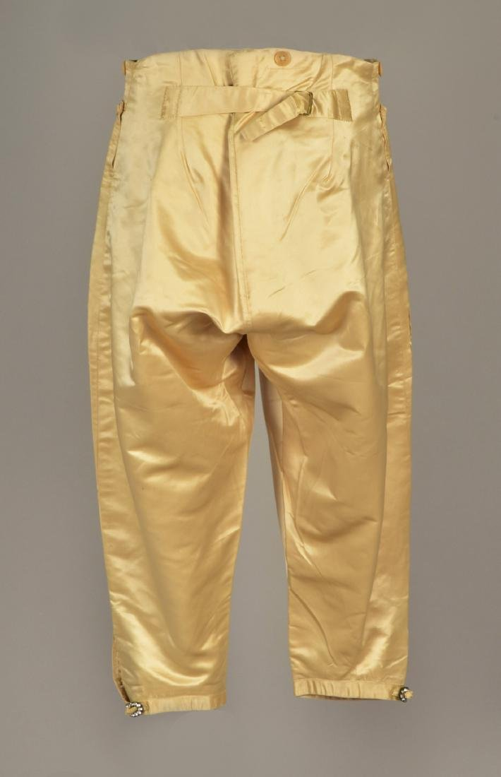 GENTLEMAN'S ENGLISH CREAM SATIN BREECHES, 1800 - 2