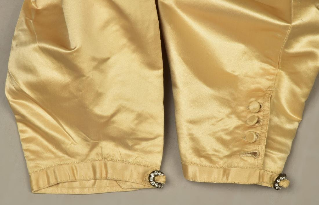 GENTLEMAN'S ENGLISH CREAM SATIN BREECHES, 1800 - 3