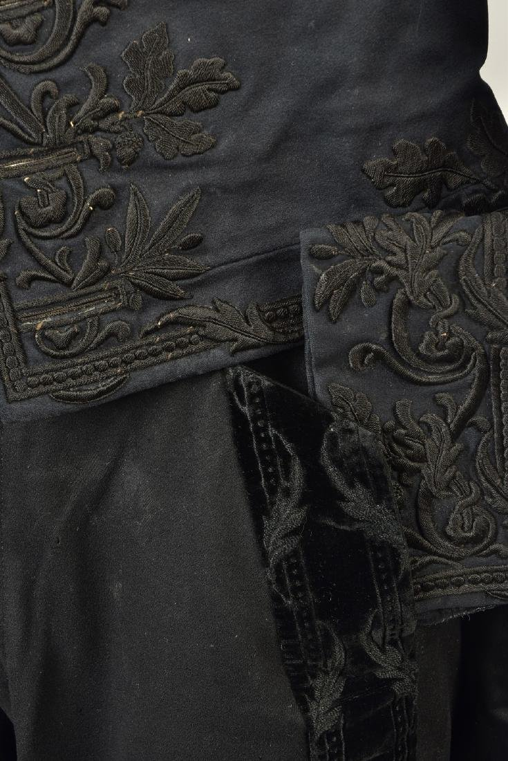GENTLEMAN'S EMBROIDERED WOOL TAILCOAT, c. 1835 - 5