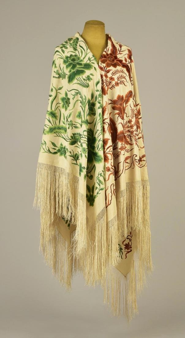 UNUSUAL CHINESE EXPORT SILK SHAWL, 19th C