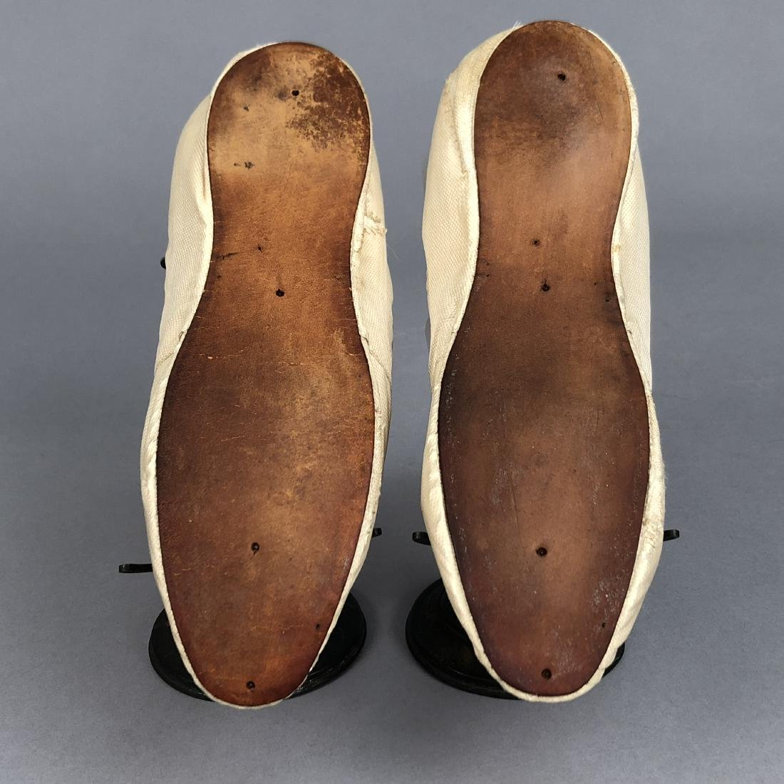FIGURED SILK SHOES with METALLIC EMBROIDERY, c. 1800 - 3