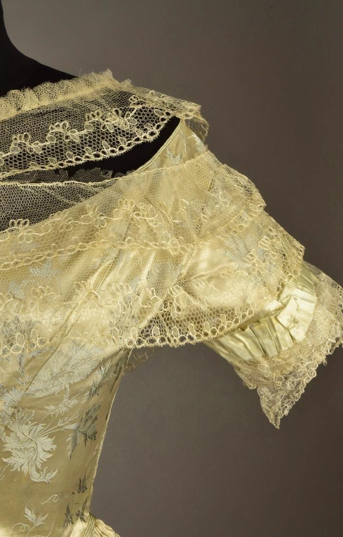 LADY JANE ERSKINE'S FIGURED SATIN EVENING GOWN, 1840 - 6