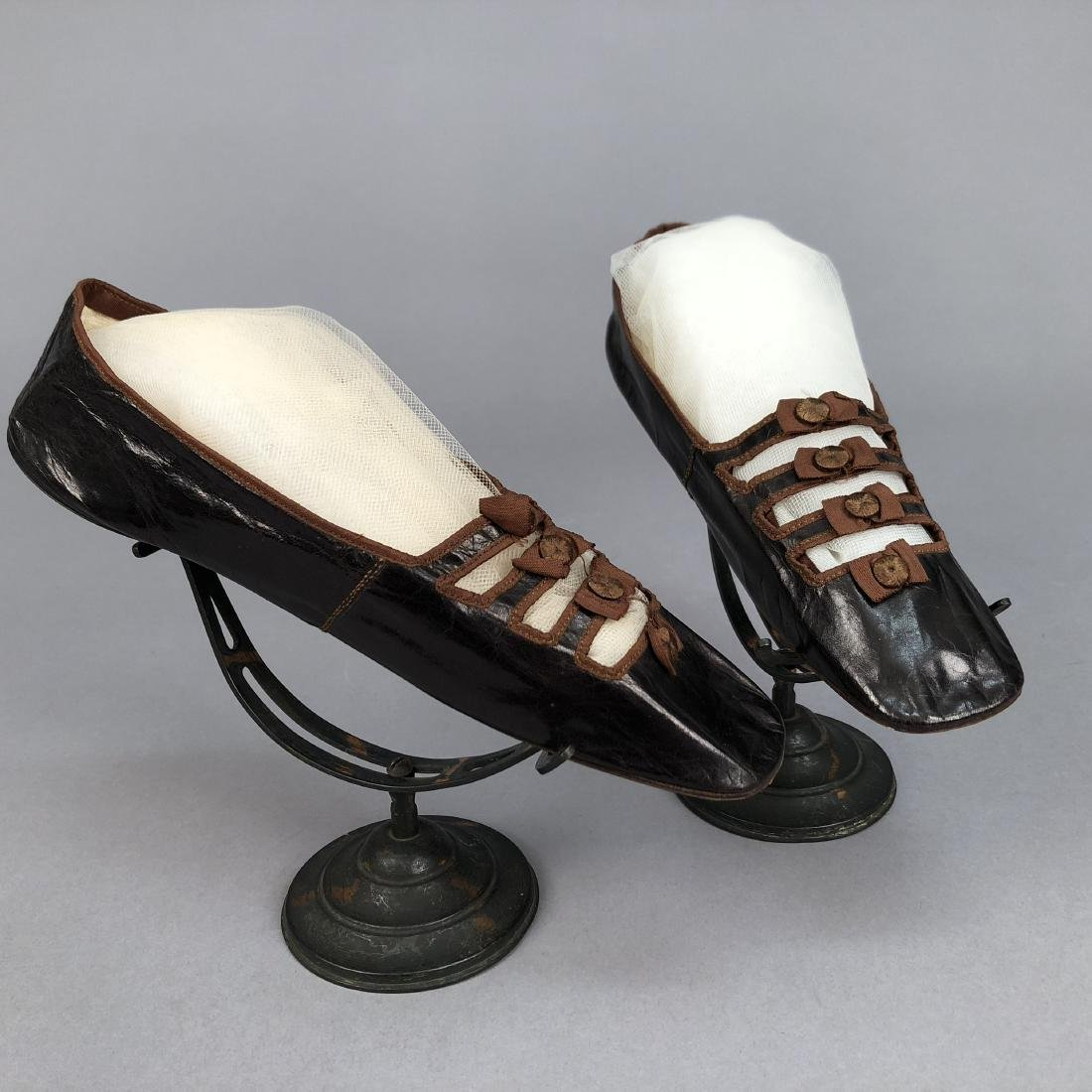KID SHOES with BARETTE VAMP, 1840s - 1850s - 2