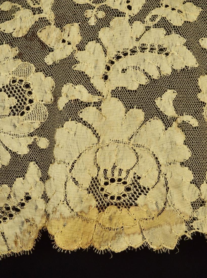 FOUR BLONDE LACE STOLES, 1830s - 1850s - 5