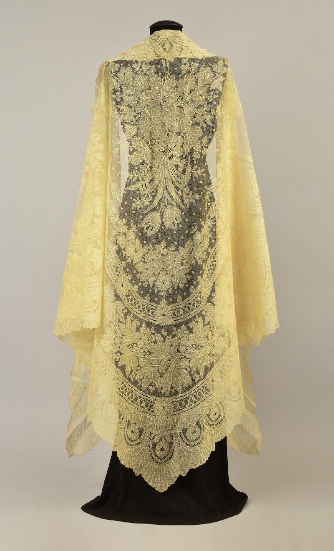 BLONDE CALAIS LACE SHAWL, 1860s