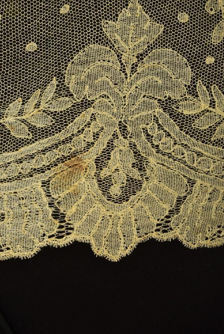 BLONDE CALAIS LACE SHAWL, 1860s - 2