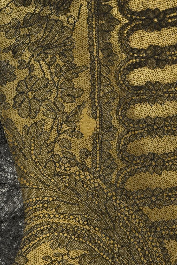 LARGE CHANTILLY LACE SHAWL, 1860s - 3