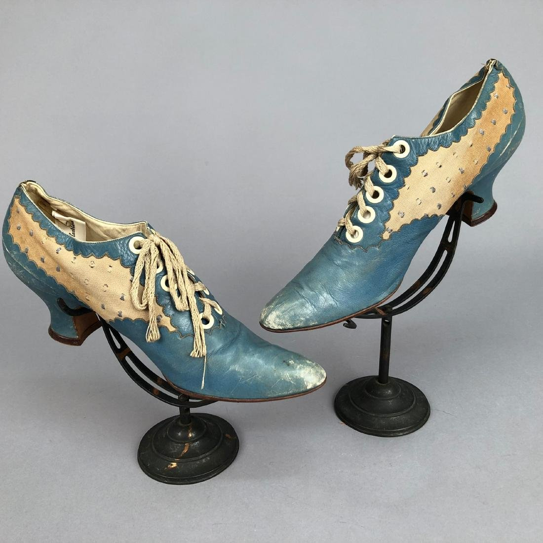 LACING LEATHER SHOES with DOTTED INSERTS, 1890 - 1895 - 2