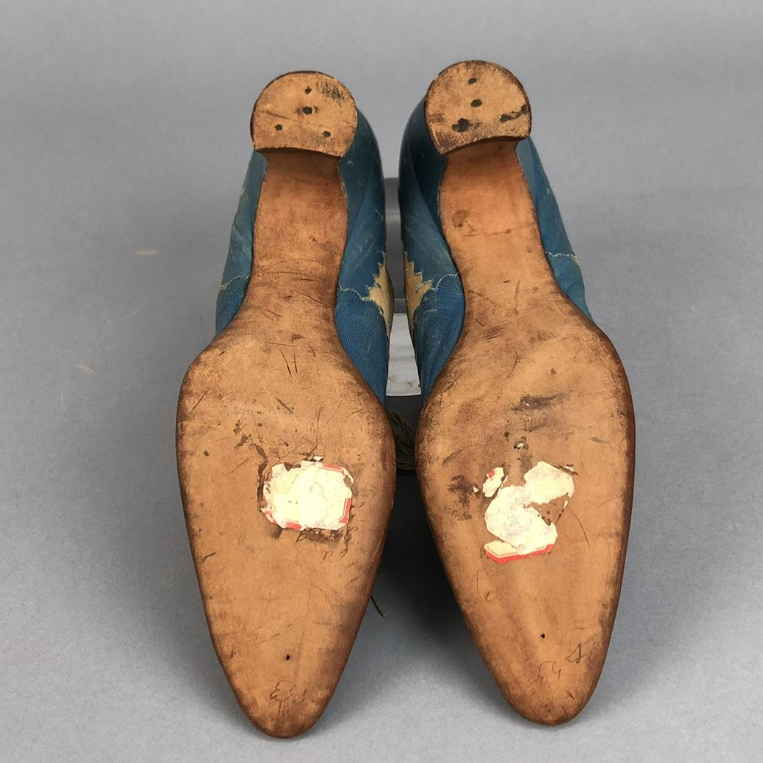 LACING LEATHER SHOES with DOTTED INSERTS, 1890 - 1895 - 4