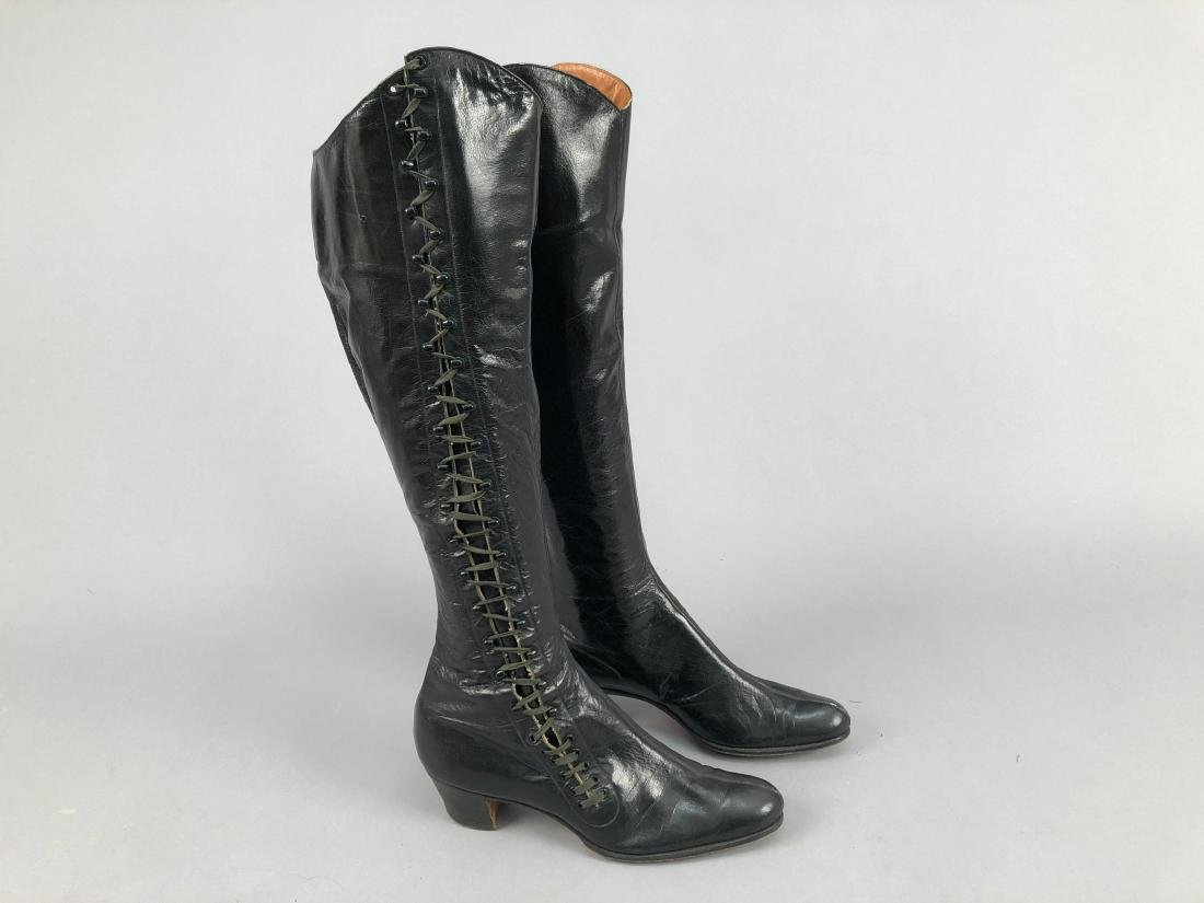 TALL LEATHER LACE-UP BOOTS, 1890s