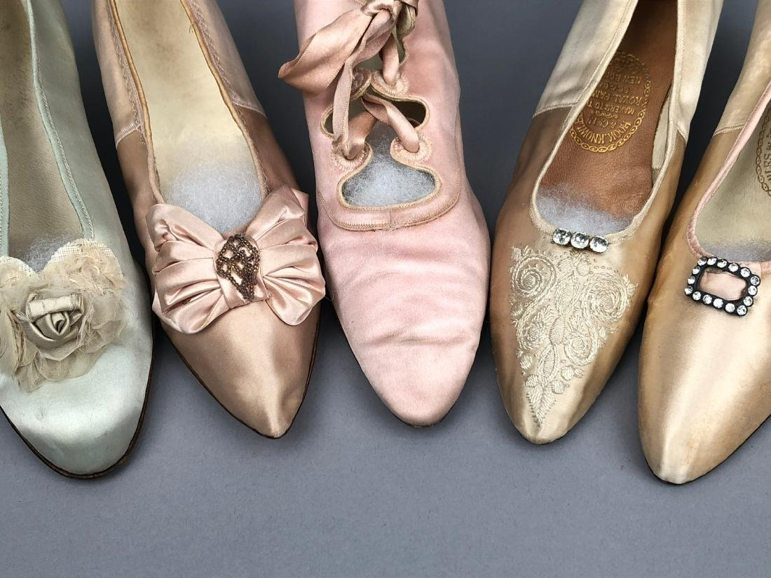 FIVE PAIR LADIES' PALE SATIN PUMPS, 1890 - 1910. - 3