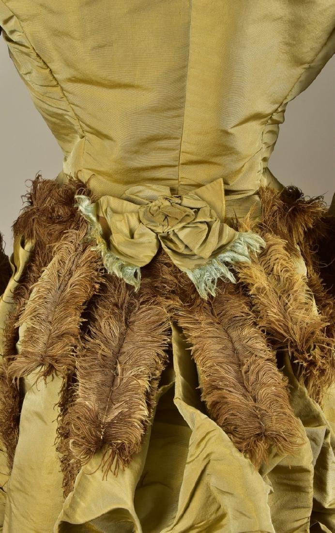 OSTRICH FEATHER-TRIMMED BUSTLE GOWN, 1876 - 3