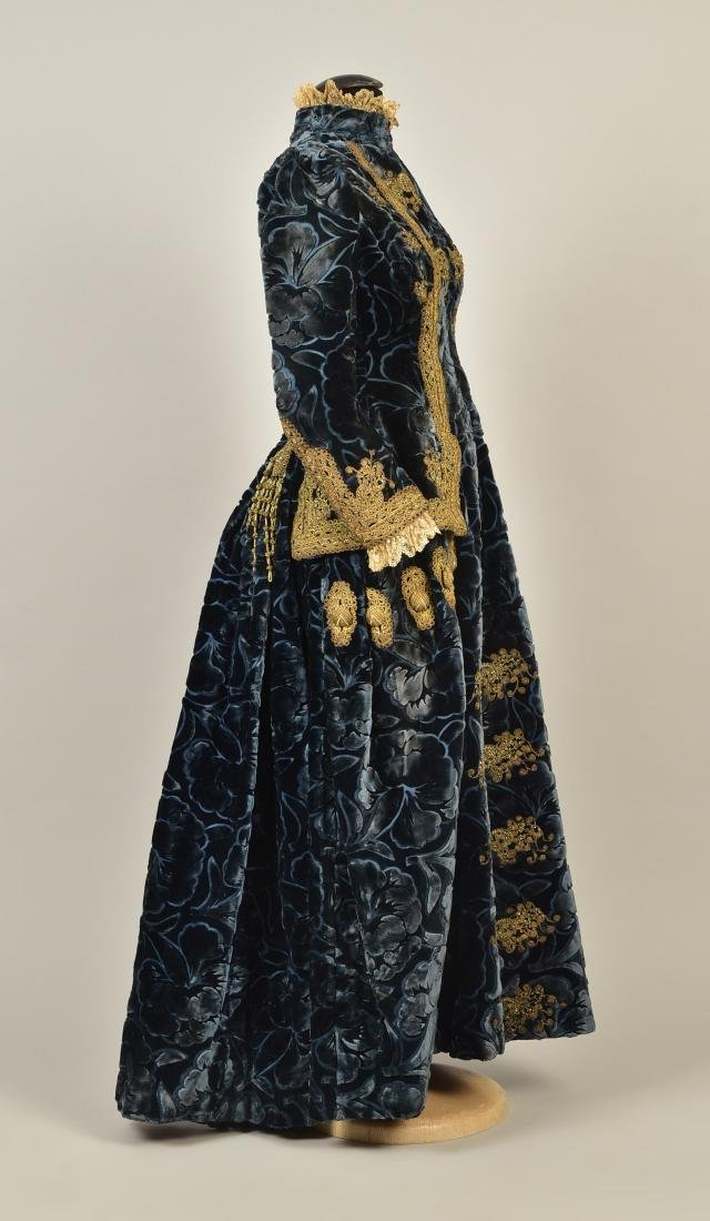 LONDON LABEL FIGURED VELVET COAT, 1880s