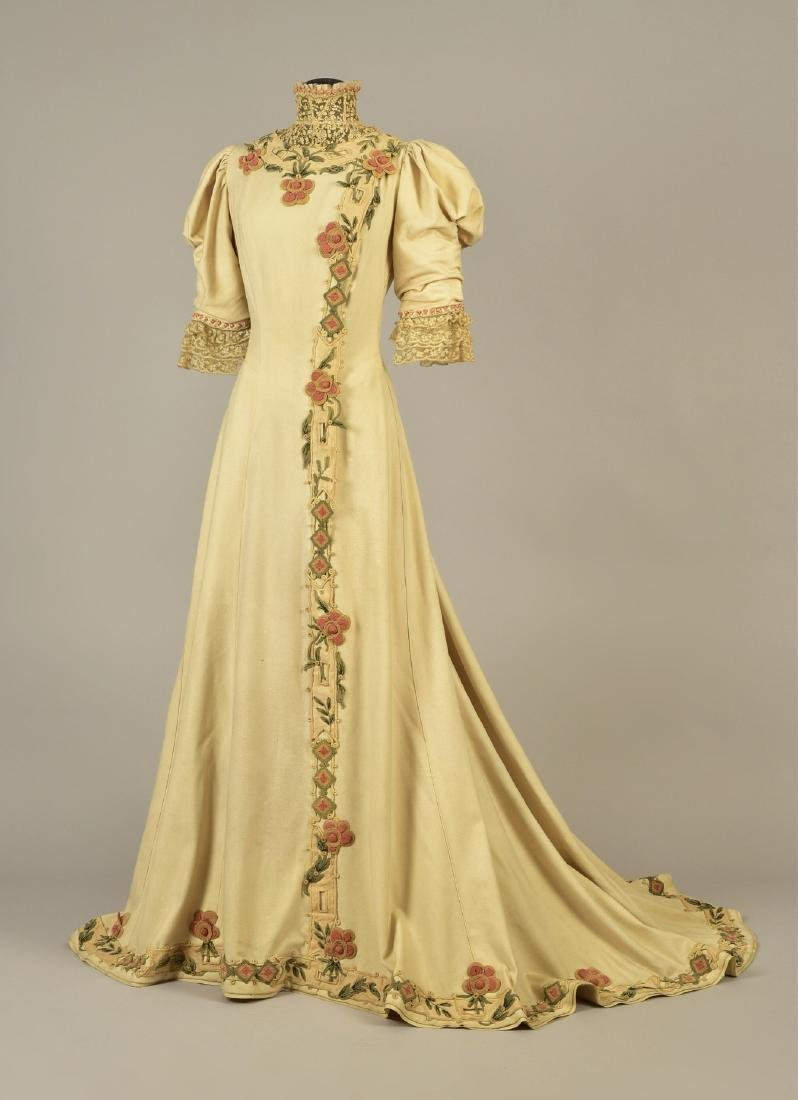 PINGAT TRAINED WOOL DRESS with APPLIQUE, c. 1890