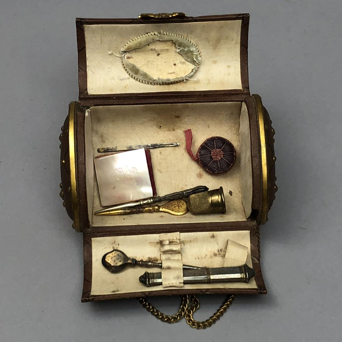 HINGED-LID LEATHER SEWING CASE, 1850 - 1870 - 2