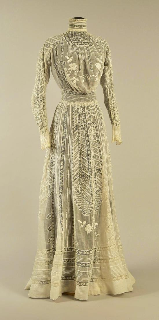 LAWN and LACE HIGH-NECK GOWN, 1905