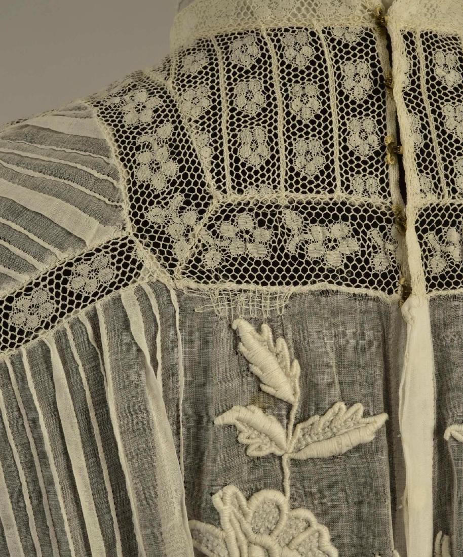 LAWN and LACE HIGH-NECK GOWN, 1905 - 5