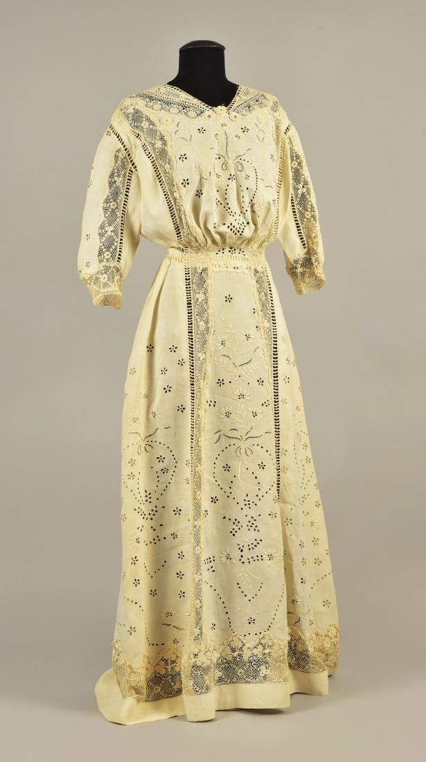 CUTWORK LINEN GOWN with IRISH CROCHET, 1908 - 1910